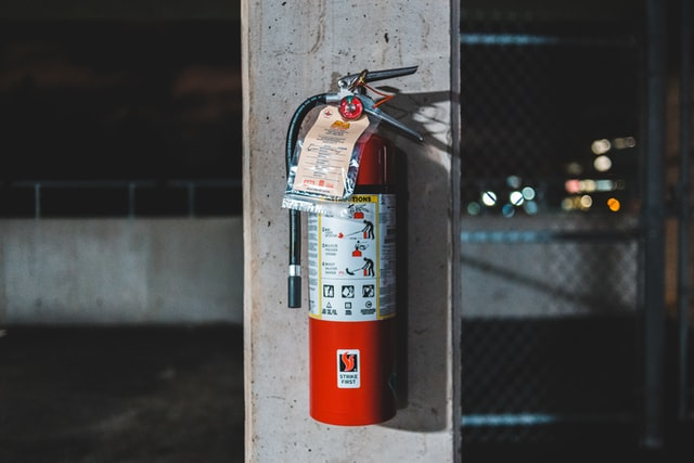 消火器を処分する5つの方法を解説|費用や処分する際の注意点も紹介