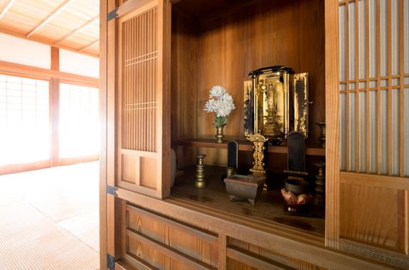仏壇の処分は順序と確認事項のチェックで迷わずできる|処分方法と相場も紹介