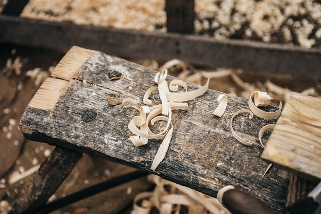 売れる木材の特徴や処分方法7選を解説|DIY資材の分別方法も紹介