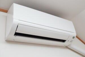 エアコンの処分方法・費用や注意点を解説|ケーズデンキ・ヤマダ電機の費用も紹介